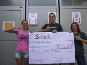 Spende Tchaka aus Open Air Oben Ohne an Hilfe für Kids